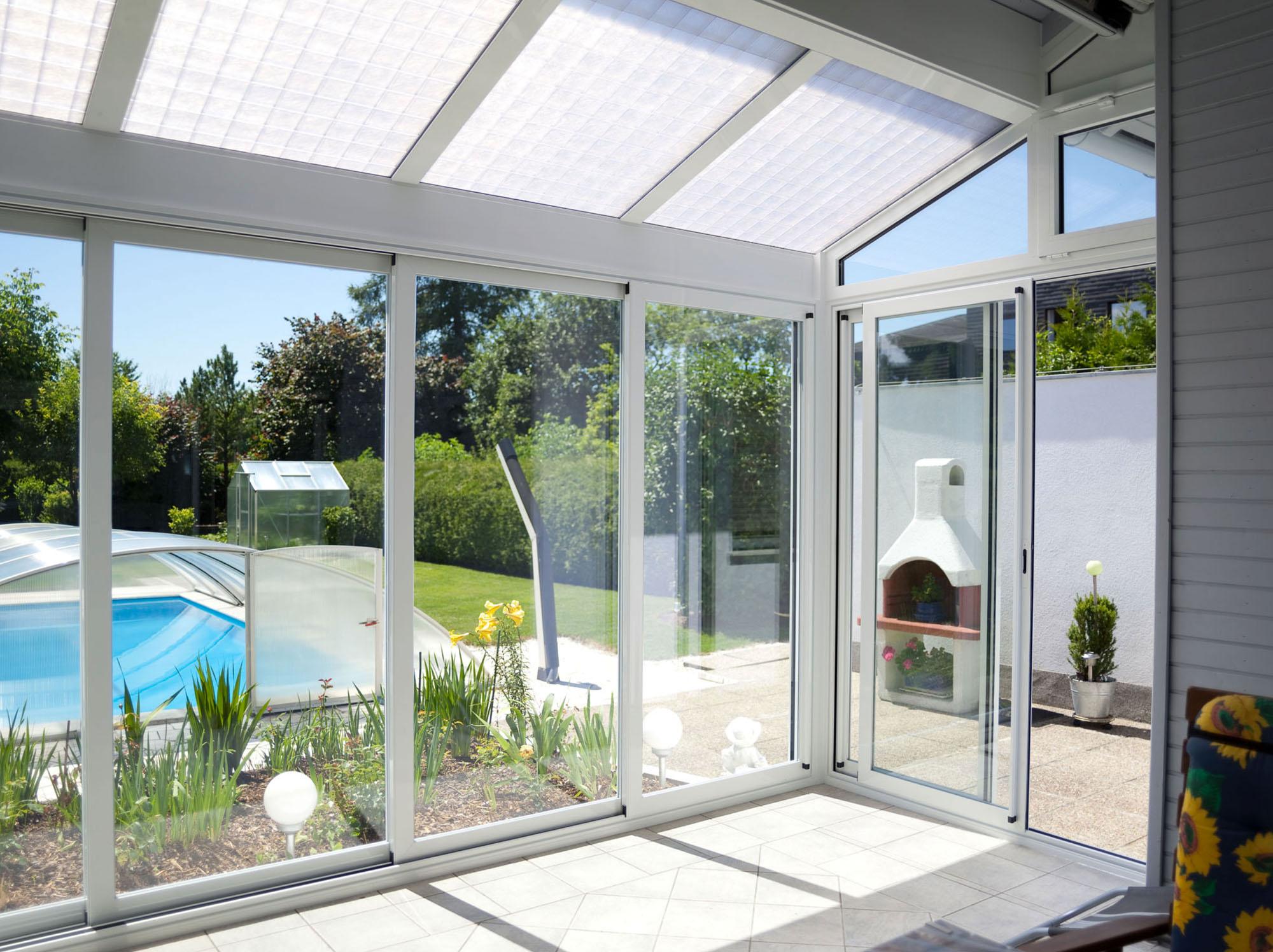 weißer Wintergarten - Classic von Sunhouse Innenansicht