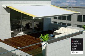 Terrassenüberdachung mit der großen Gelenksarmmarkise - freitragend