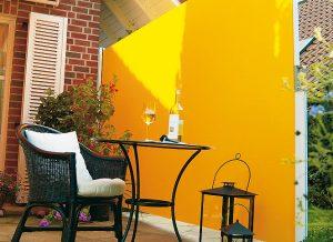 Seitenzugmarkise von Sunhouse Wintergärten in gelb